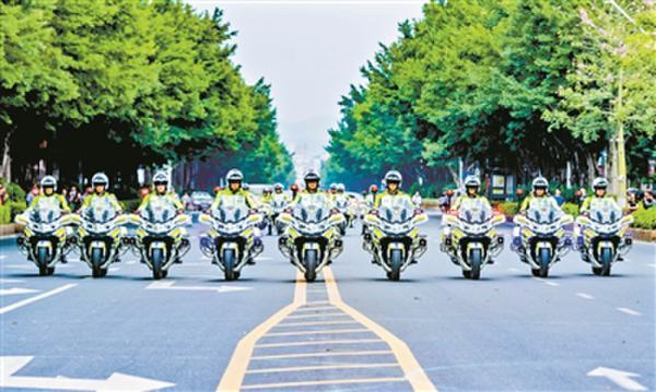 梅州交警铁骑队成立
