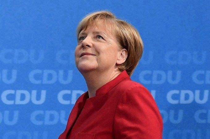 """默克尔的离任计划宣布之后,欧洲的极右翼""""嗨起来了"""""""