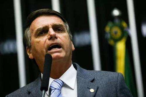 枪支可以捍卫自由?巴西新总统要放开枪支管制