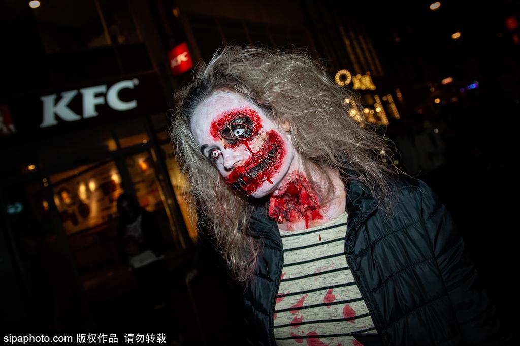 胆小慎入!荷兰阿纳姆万圣节游行:数百名僵尸穿过市中心