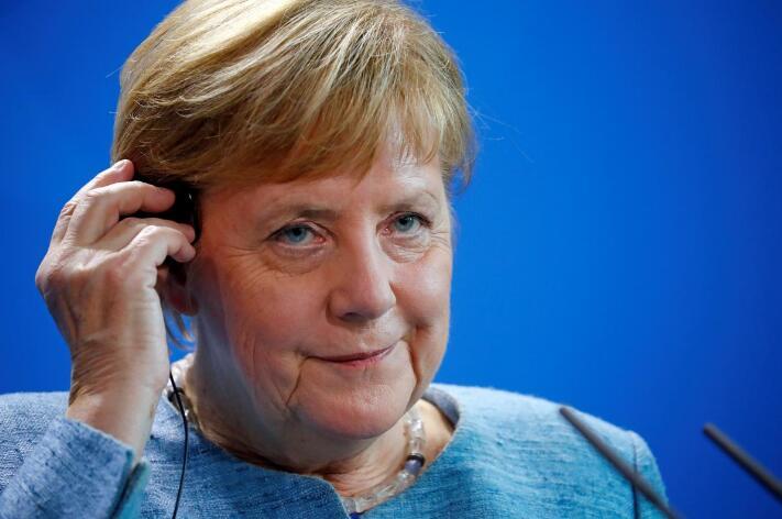 默克尔辞去主席职务会削弱在国际舞台上的分量? 默克尔否认