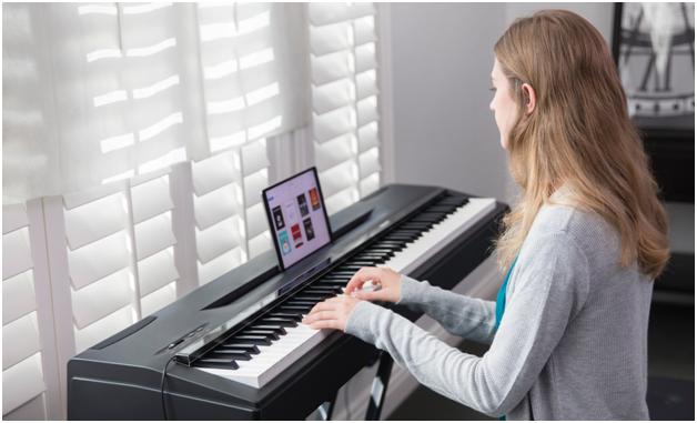 解决3000万存量钢琴用户问题 The ONE智能灯条纠错准确度超人类专家