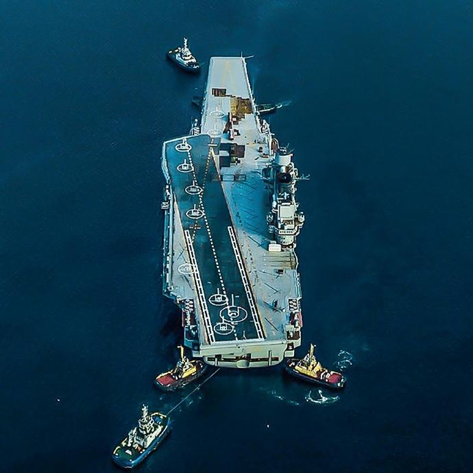 俄媒:维修俄航母的浮船坞断电沉没系降雪造成