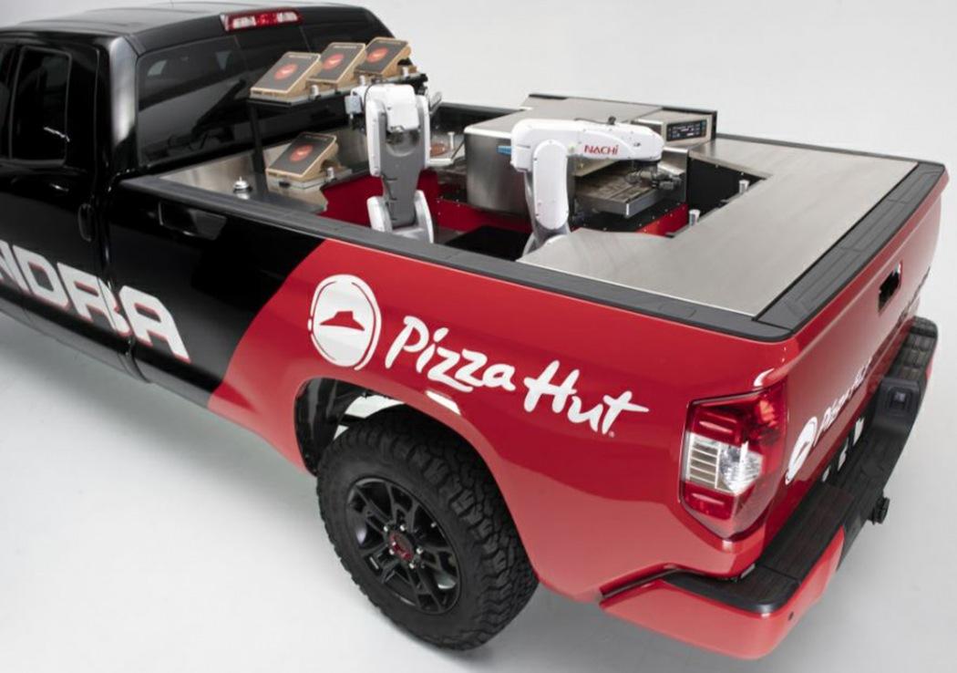 丰田坦途变身必胜客移动披萨站 亮相SEMA车展