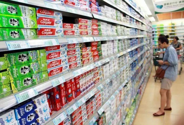 """牙膏含""""氨甲环酸""""是处方药?看看牙膏里的秘密"""