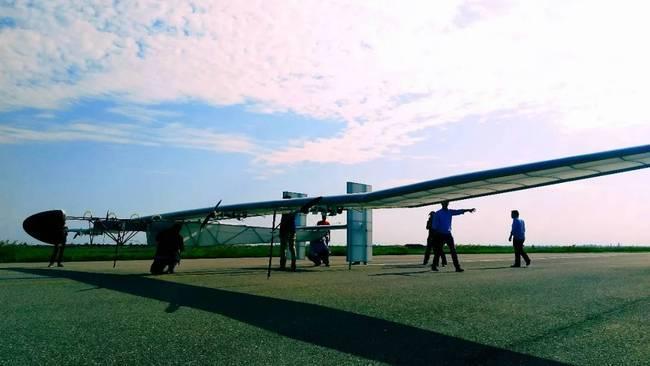 航空工业打造超大号太阳能无人机