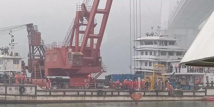 重庆坠河公交已发现9名遇难者 3人身份已确认