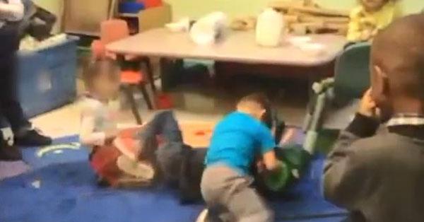 """美托儿所办""""搏击俱乐部"""" 鼓励幼童互殴"""