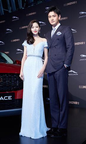 王媛可夫妇亮相红毯 合体撒糖甜到犯规