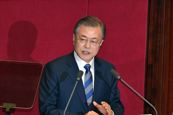 文在寅发表施政演说 称金正恩将很快访问首尔