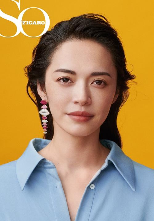 姚晨登杂志银十封面 讲述演员态度