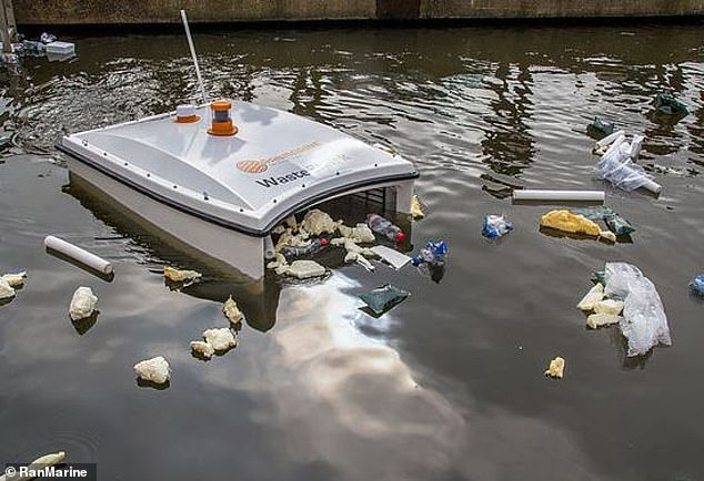 """迪拜水上无人机""""专吃""""垃圾 或为海洋清洁关键"""
