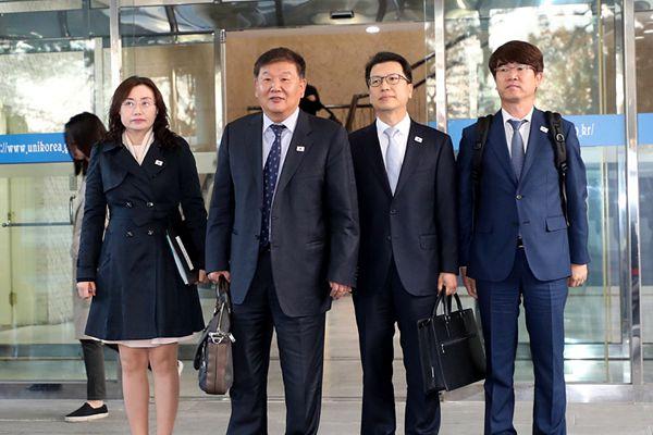 韩朝将再度举行体育会谈 韩方代表团启程赴会