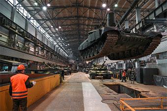 俄罗斯展示为越南建造T90S坦克建造过程
