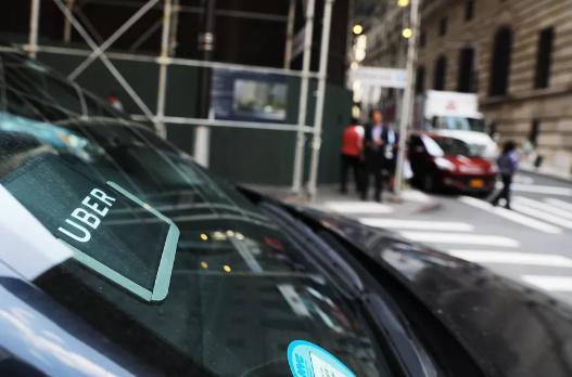 Uber将奖励高绩效司机 增加实得工资和大学学费