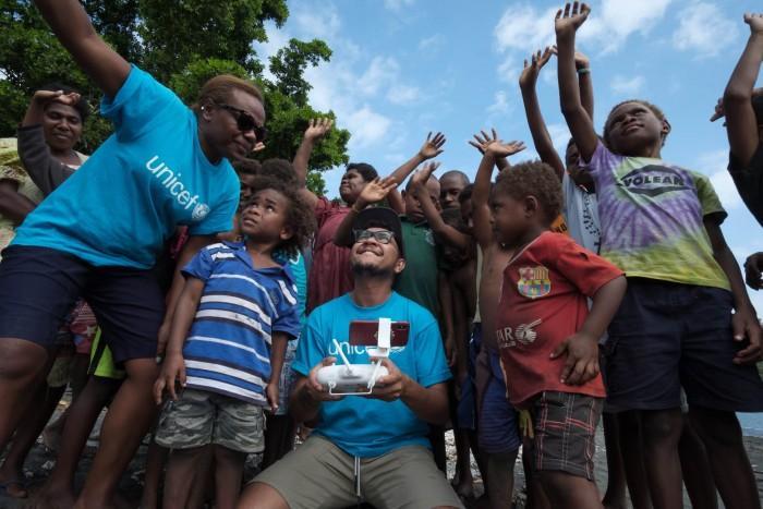 瓦努阿?#25216;?#21010;展开用无人机向偏远海岛地区运送疫苗试验