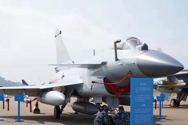 中国空军主力战机齐聚珠海航展