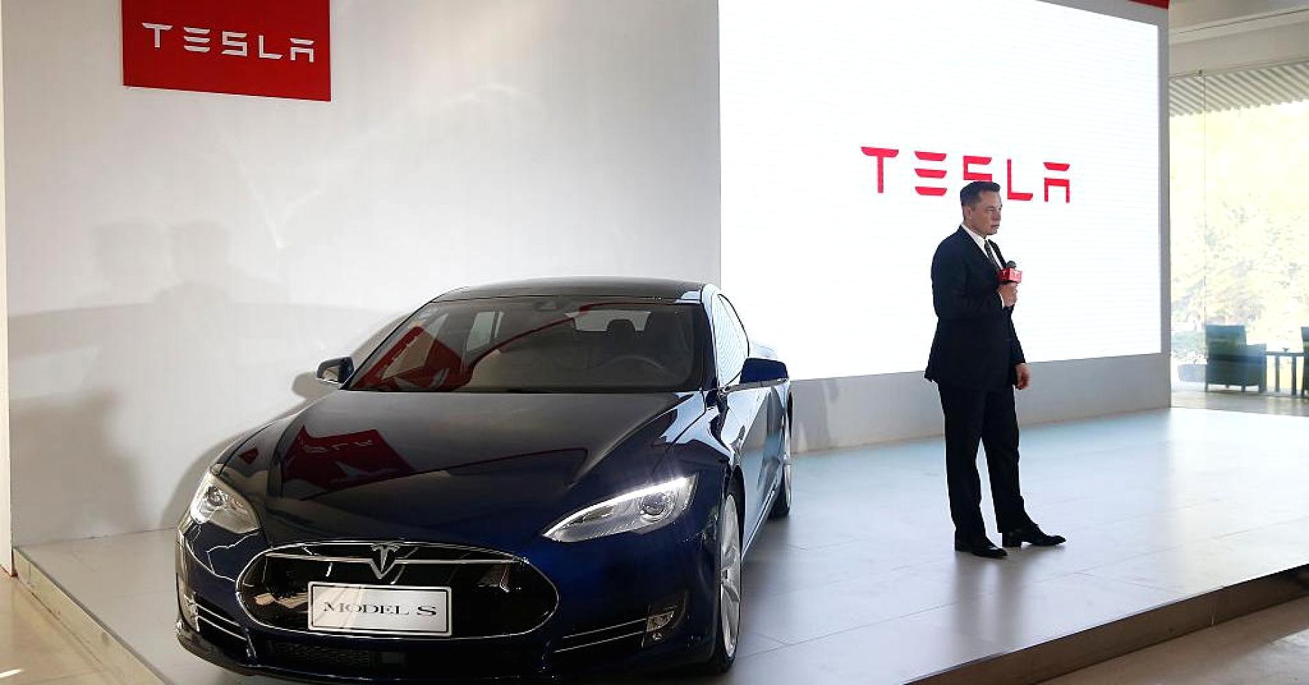 馬斯克稱:特斯拉汽車將于明年實現自動泊車功能