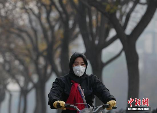北京今日空气质量逐渐转好 晚间空气质量至良好