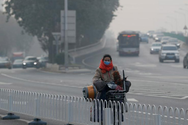 北京遭遇五级重度污染天气