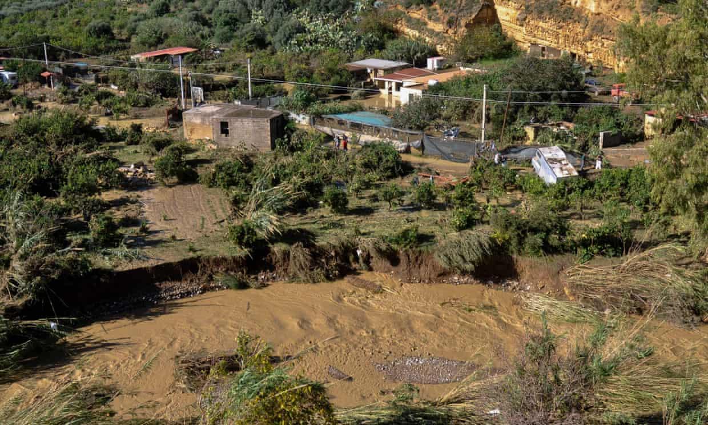 悲剧!意大利暴雨成灾 一家三代9口人屋内溺毙
