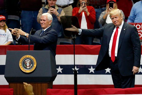 美国两党中期选举最后冲刺 特朗普彭斯赴田纳西州站台拉票