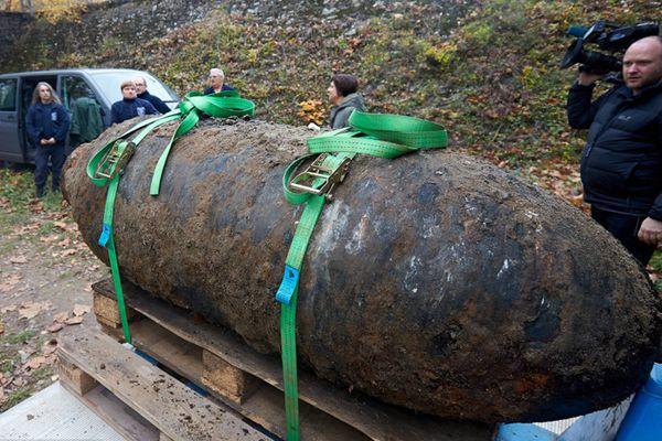 德国新维德拆除一枚二战遗留炸弹 重达1000公斤