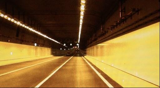 高精地图采集车镜头下的港珠澳大桥