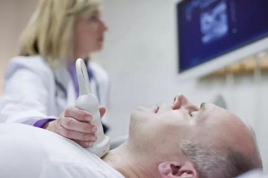 男子胖得没脖子一查是癌症晚期 医生:这样的很多