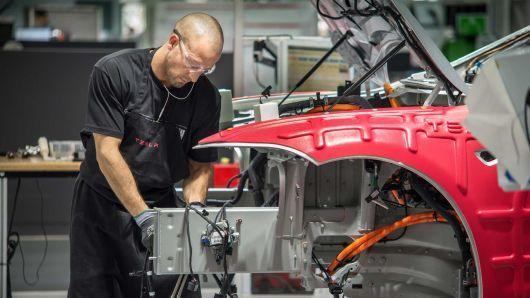 特斯拉:预计未来两年将投资60亿美元开发新汽车