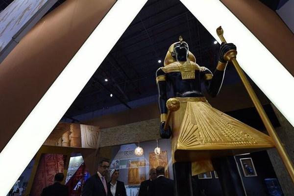 首届中国国际进口博览会开幕 探访主宾国展馆