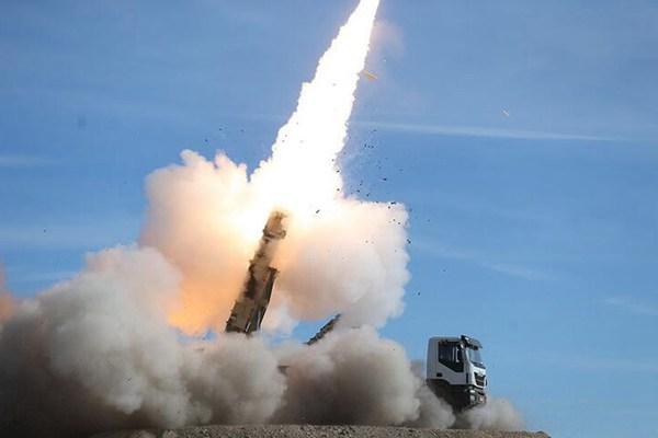 """回应美国""""最严厉""""制裁?伊朗举行大规模防空演习"""