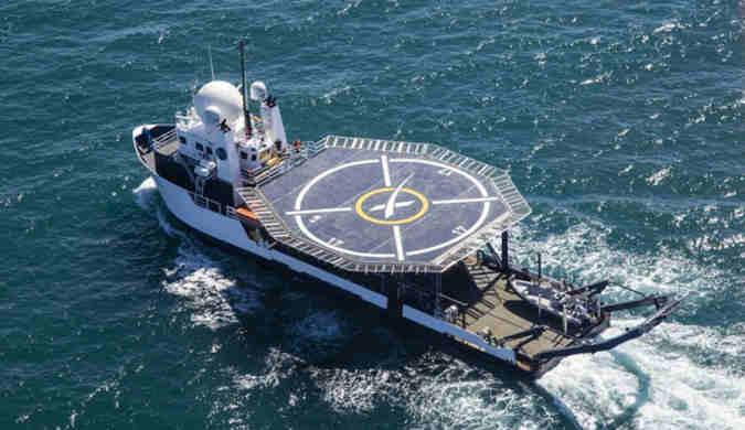为将宇航员安全带回家 SpaceX部署龙飞船回收船