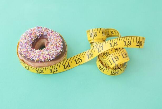 """拒绝""""病态美""""!日媒盘点短期节食减肥的9大危害"""