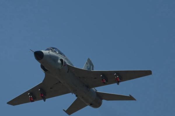 快买买买啊!中国最新型外贸战斗机航展上重磅亮相