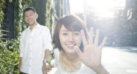 盘点娱乐圈中那些模范夫妻,陆毅鲍蕾上榜,而他俩是青梅竹马