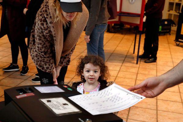 美国中期选举投票现场