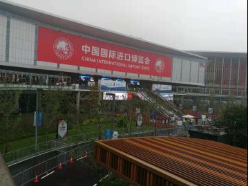 """中国首个以""""亚麻""""为主题的时尚产业园—新申亚麻村,有什么布一样?"""