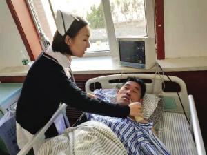 """47岁打工男子突发脑梗 亲属失联被""""扔""""医院"""