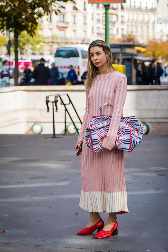 温暖与时尚的完美搭配只差一条毛衣裙,一起来看这些裙装有多美吧