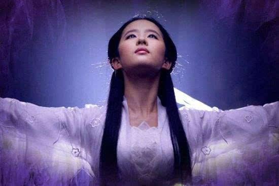 """刘亦菲拍戏遭遇""""咸猪手"""",群众演员胆子太大了!"""