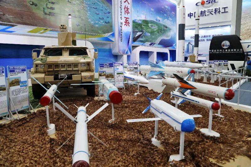 在珠海感受中国导弹力量之美