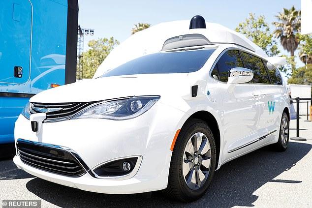 研究报告警告:自动驾驶汽车或引发公共安全危机