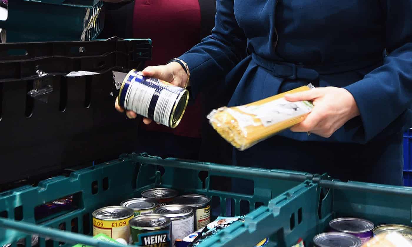 英国食品银行发放救济包裹数目猛增 呼吁政府改革福利金领取制度