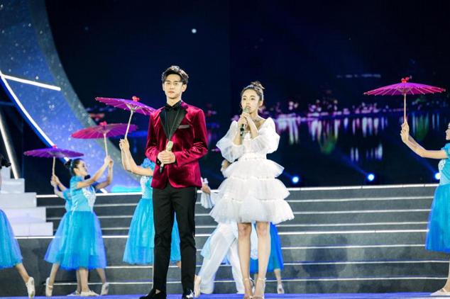 亚洲微电影艺术节临沧开幕 王天辰帅气亮相担任开奖嘉宾