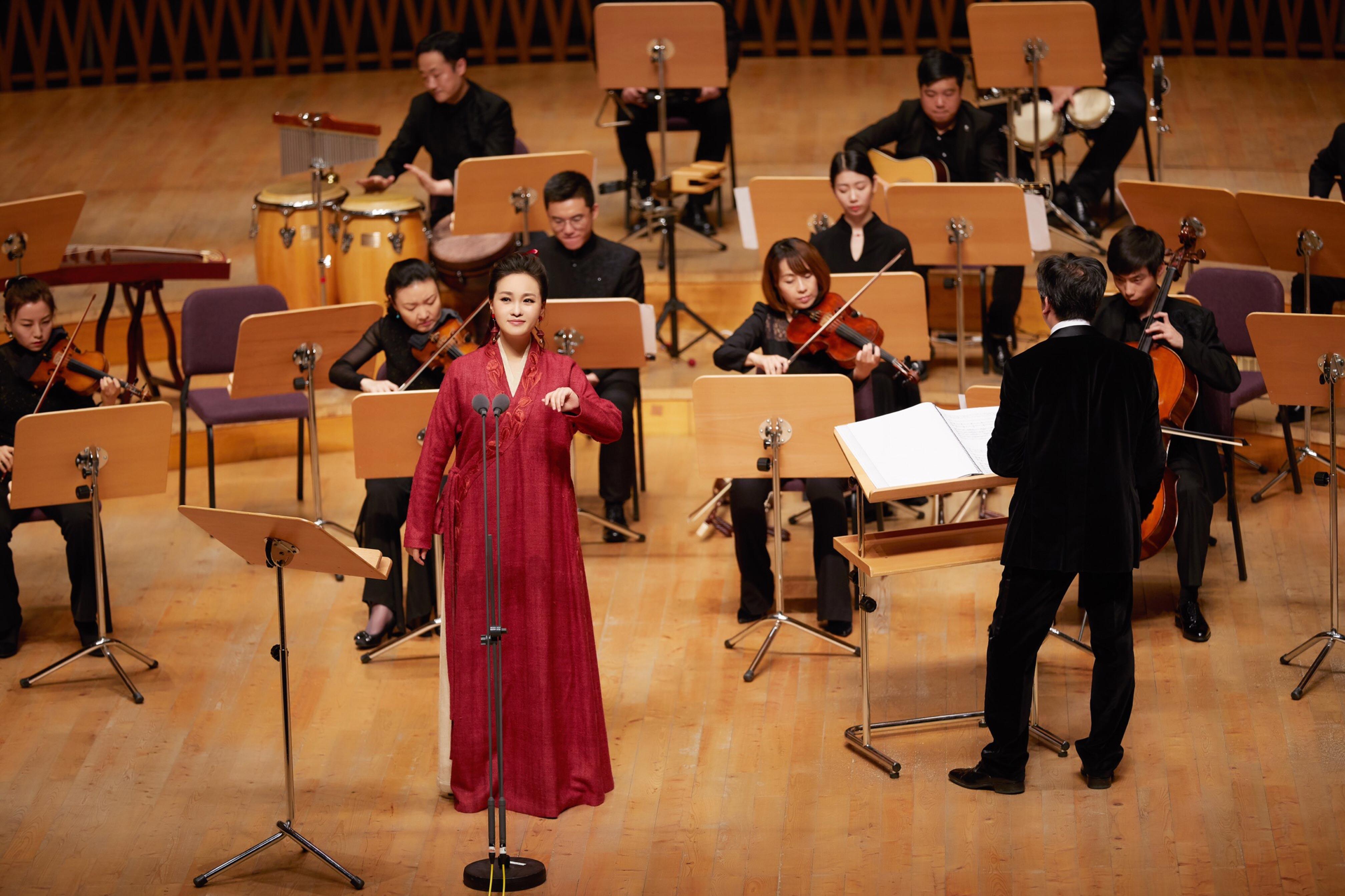 雷佳助力上海国际艺术节 传统民歌新生