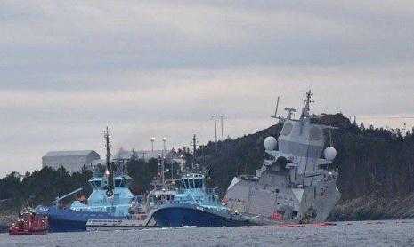 突发!北约军舰与油轮相撞致8伤127人紧急撤离 军舰可能沉没