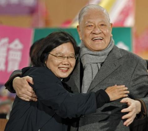 李登辉是不是日本人?台湾网友和日本导演吵起来了