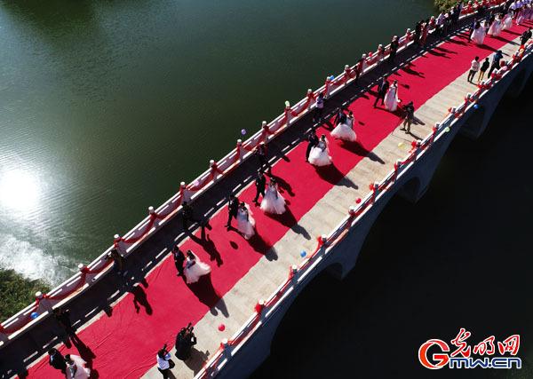 """""""中华之美""""甘肃金张掖影像巡展在北京开幕"""