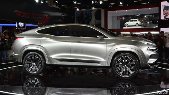 菲亚特Fastback Concept轿跑SUV概念车侧身